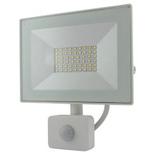 LED Reflektor se senzorem LED/30W/230V IP64 2400lm 4200K